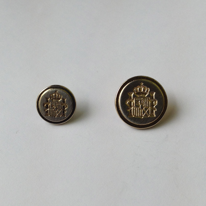 Metal Crown & Crest Button - Brushed